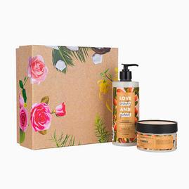 Love Beauty & Planet Shea Butter & Sandalwood luxe giftset